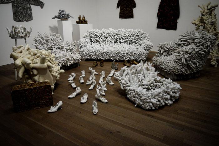 yayoi-kusama-accumulation-sculptures-700