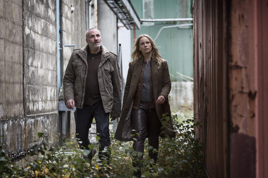 Los dos protagonistas de la serie Bron/Broen El puente, el personaje de Saga Nóren tiene autismo