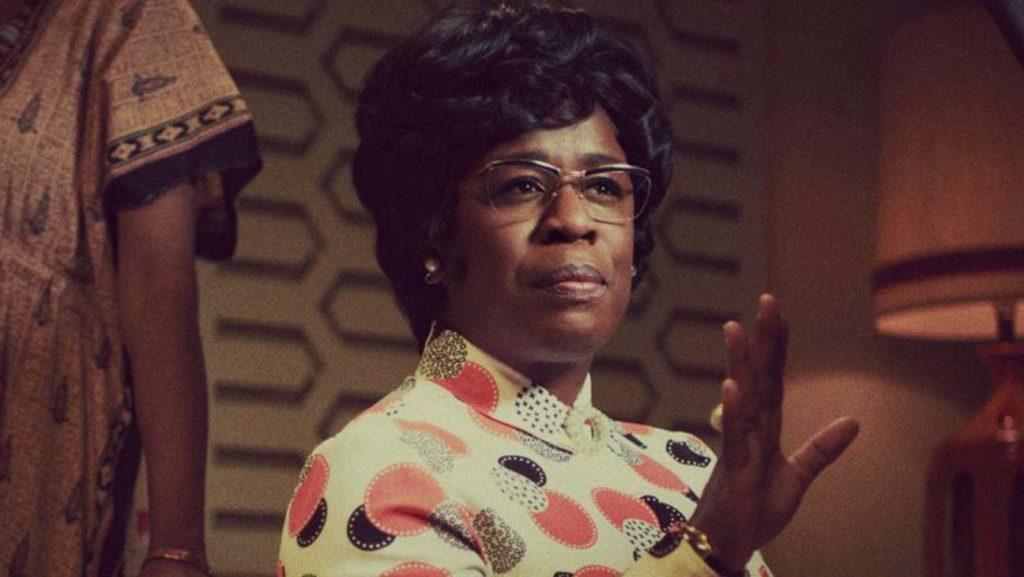 Imagen de Uzo Aduba en la serie de HBO Mrs. America