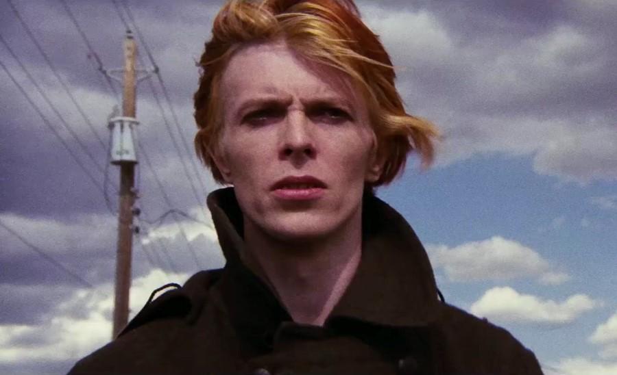 Fotograma de El hombre que cayó a la tierra de Nicolas Roeg protagonizada por David Bowie