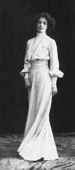 Retrato de la poeta rusa Zanaída Hippius