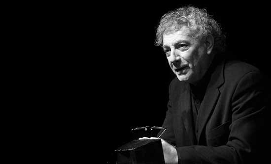Retrato del poeta Juan Carlos Mestre
