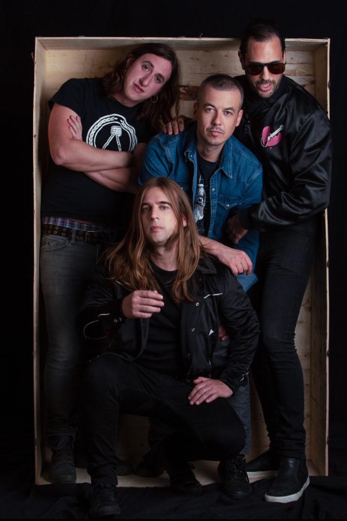 Imagen de los cuatro miembros de la banda The Deathlines