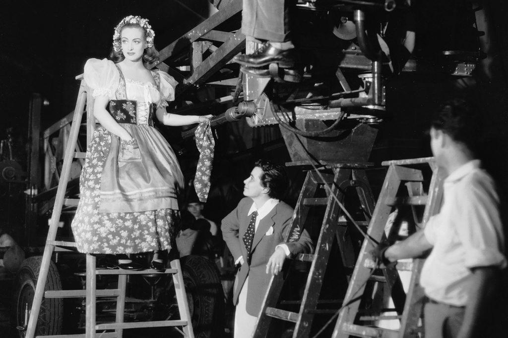 Dorothy Arzner en el rodaje de una de sus películas
